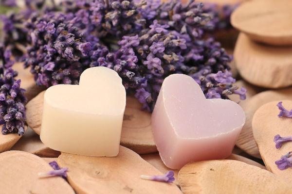 Lavedel Seife mit Herz - Geschenke